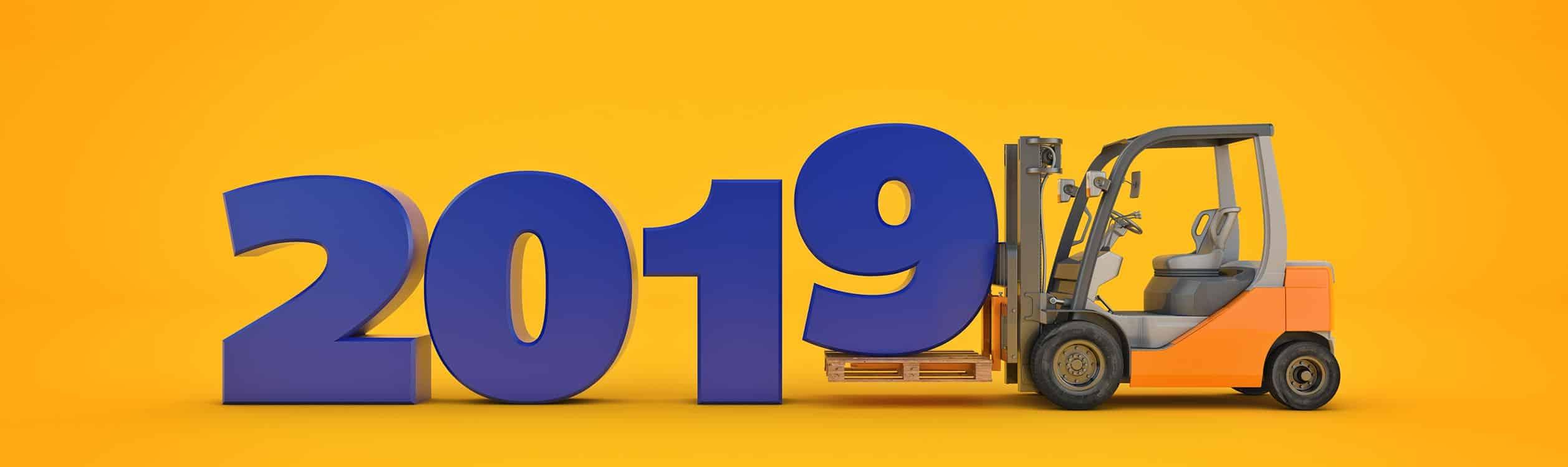 Saloodo! Bild vom Gabelstapler der eine Nummer für das Jahr 2019 transportiert