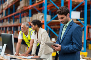 Supply Chain Manager plans his transport logistics digitally